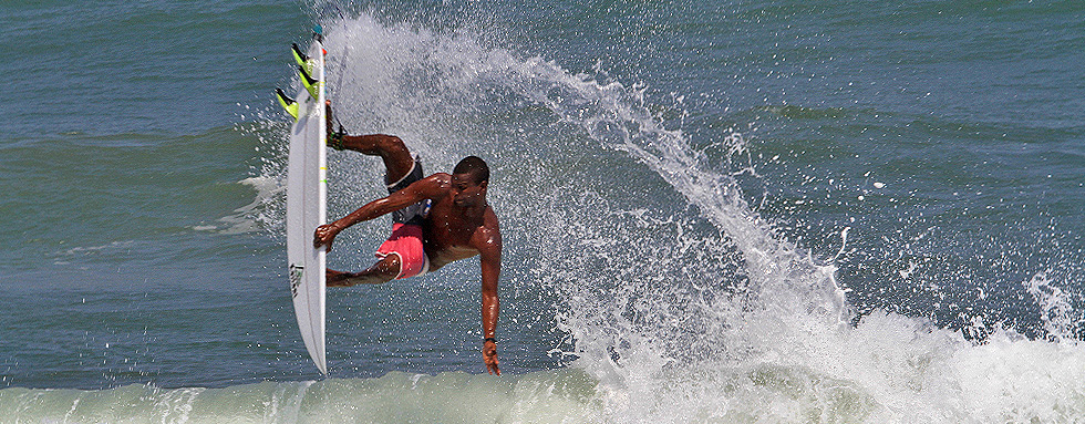 Lolo_Kailani_surfboards_air